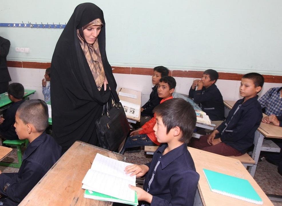 بازدید معاون رئیس جمهور در امور زنان و خانواده از مراکز آموزش پایه ی حامی