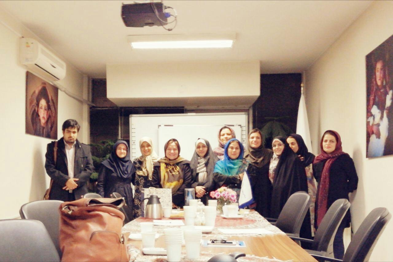 کتابخانه انسانی؛ دریچه ای برای ورود به زندگی زنان پناهنده به مناسبت ۸ مارس